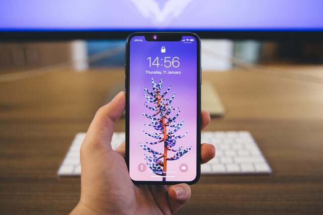 magnetic phone holder will not affect iphone x's screen